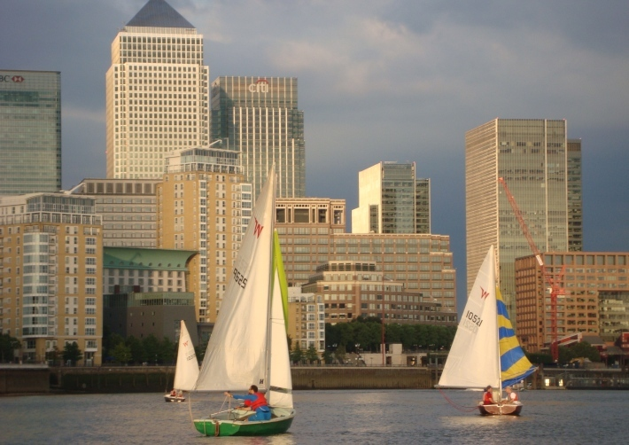 Sailing-on-the-Thames