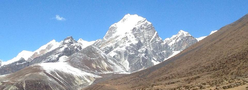 Lobuche East - the team reached the summit on Wednesday 4 Nov!